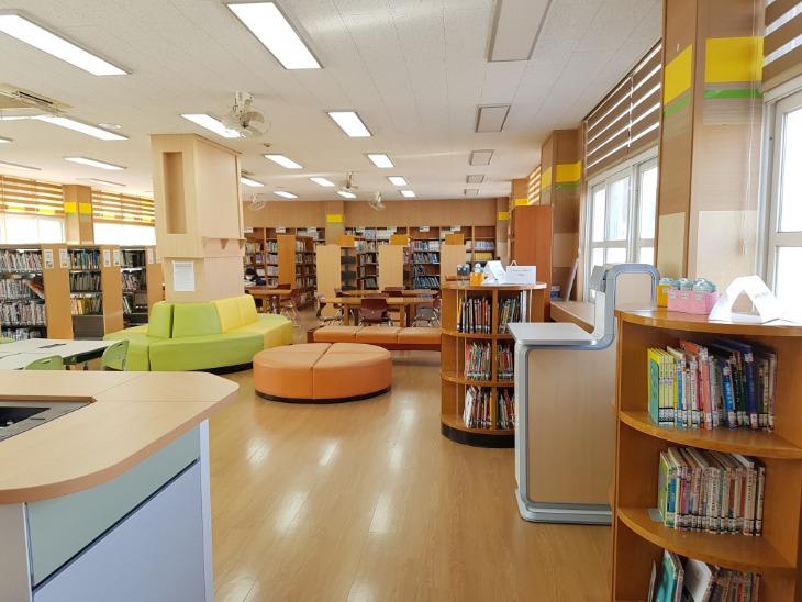 1.경북교육청, 학교도서관 활성화에 47억 원 지원03(봉화 내성초 현대화 사업).jpg